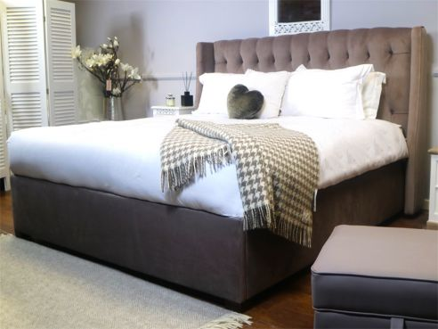 Atwood Luxury Buttoned Bed